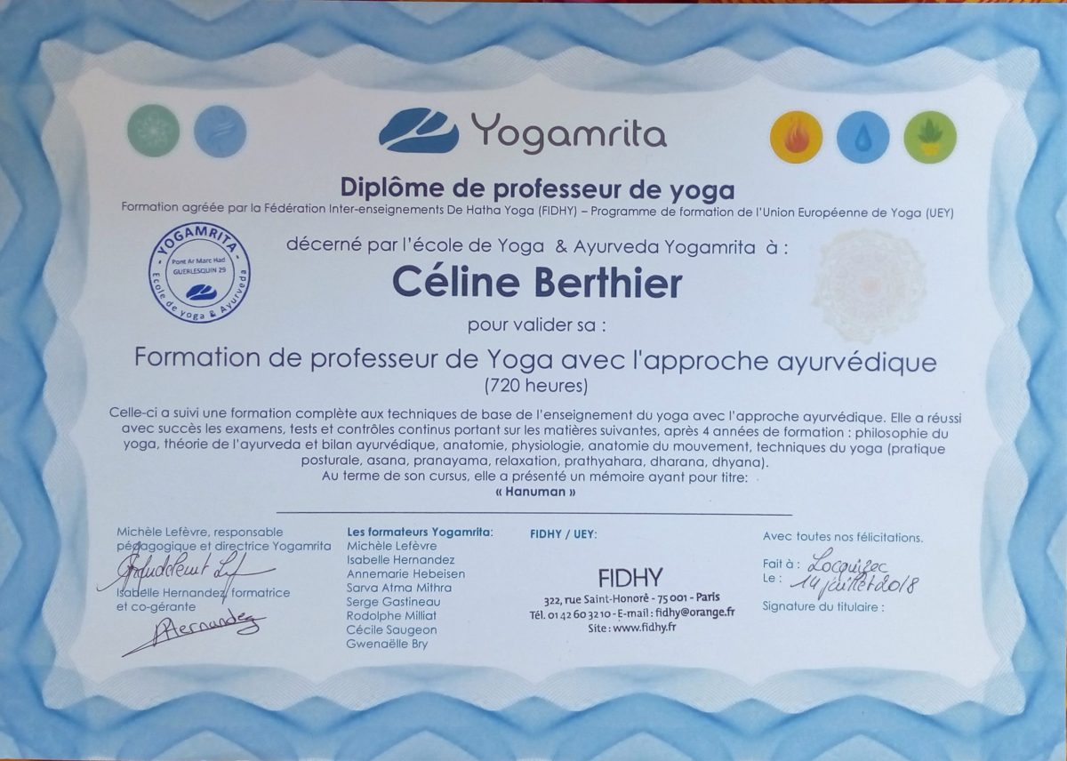 Dîplome de professeur de YOGA